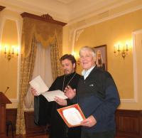 Вручение сертификата участника Форума Г.Копосову